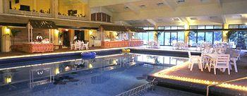 Fariyas resort Resturant