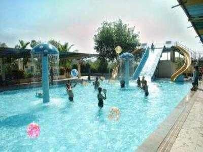 U K Resort 1