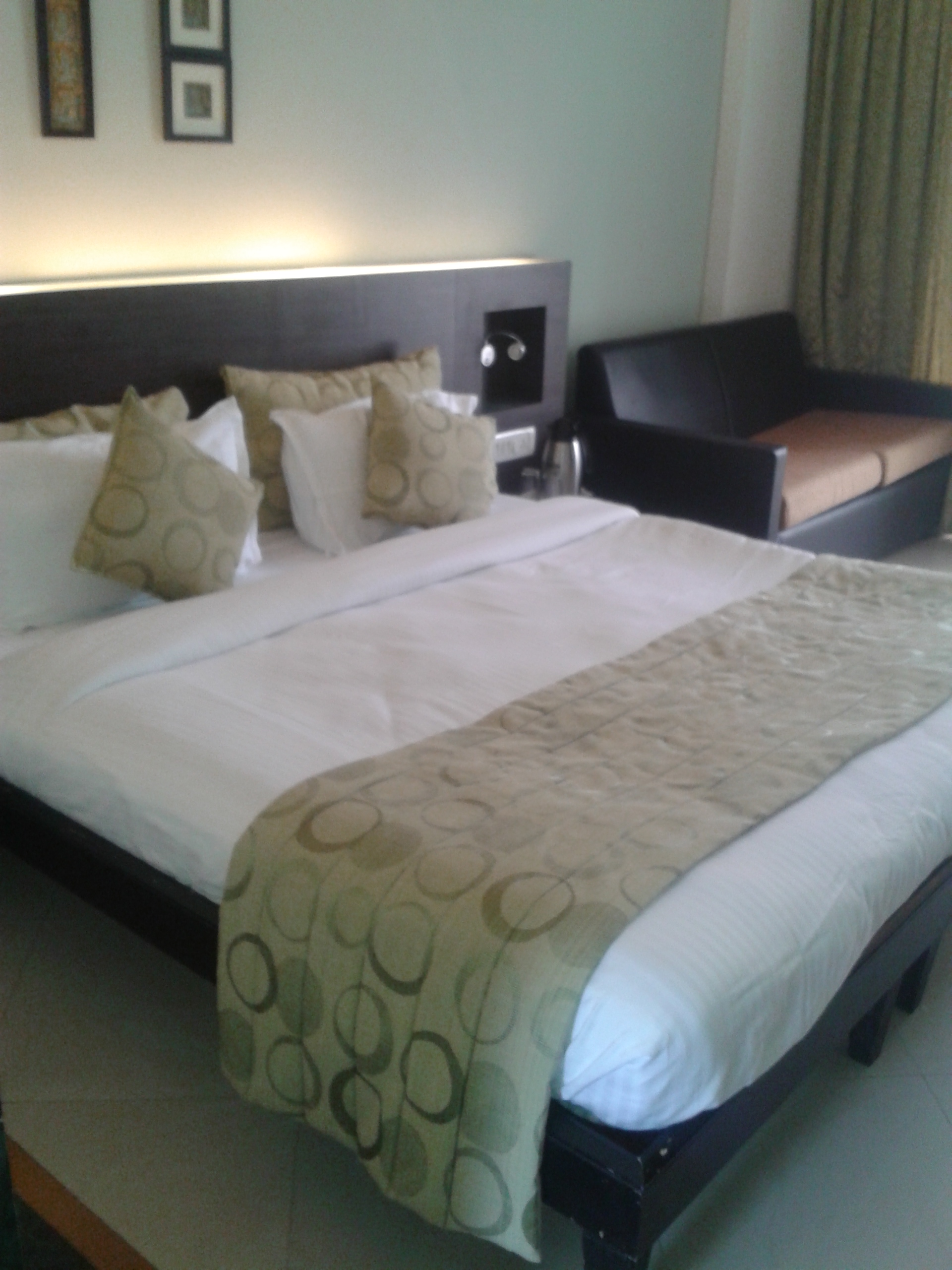 United 21 Super Deluxe Room Lonavala