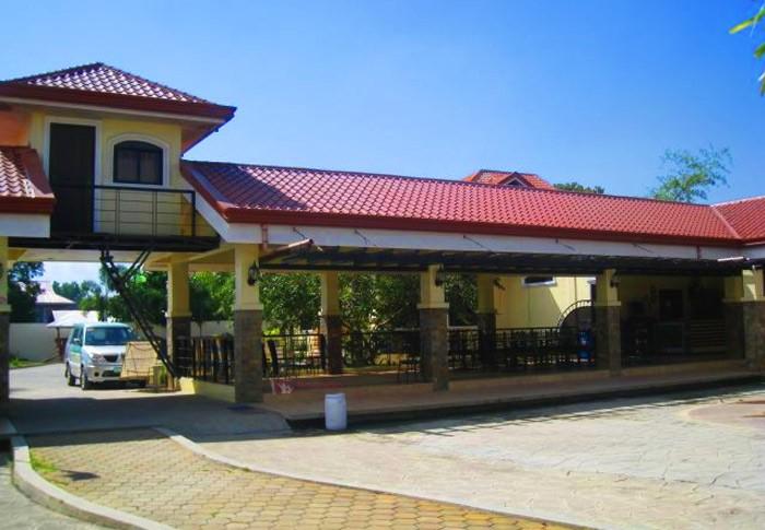 U K Resort 2
