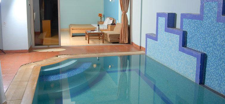 Shangrila Resort Swimming pool inside Room