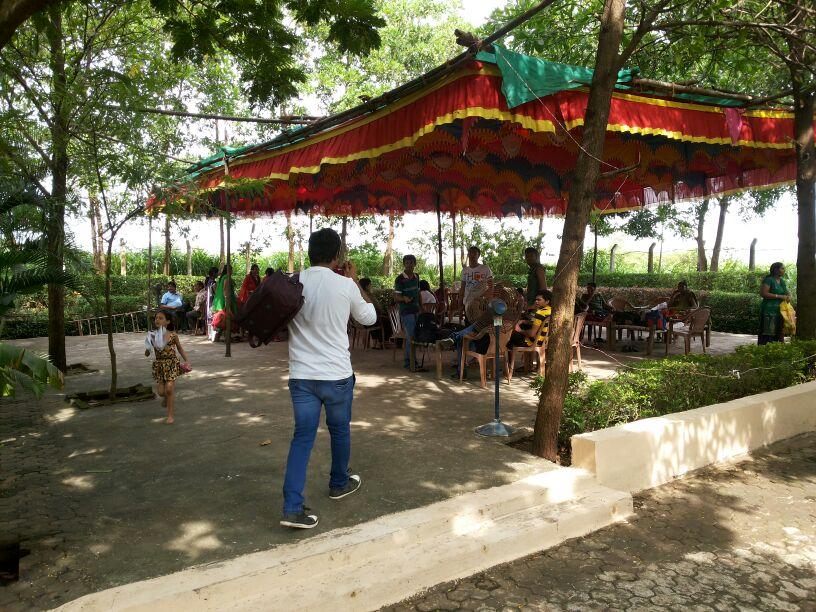 Paradise Funland Shed