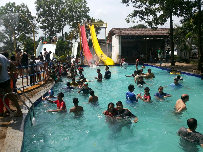 Paradise Funland Swimming pool