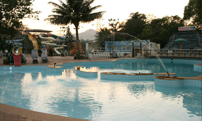 Kumar Resort Swimming pool