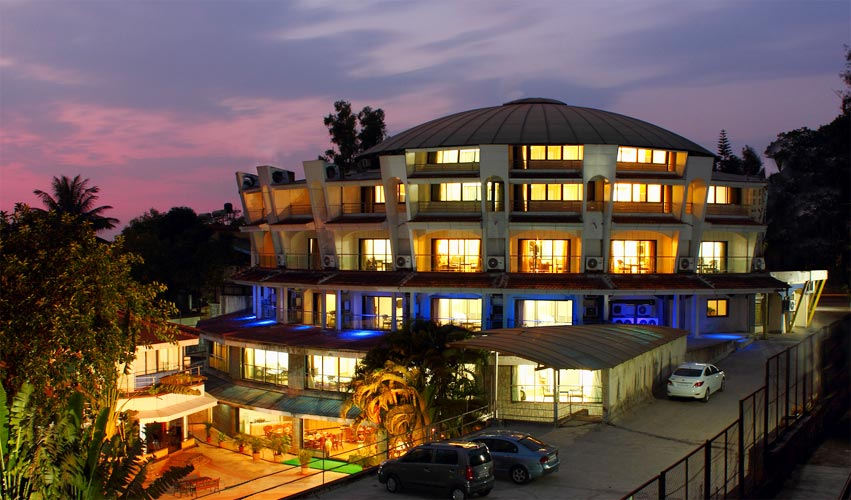 Biji's Resort Hotel Night View