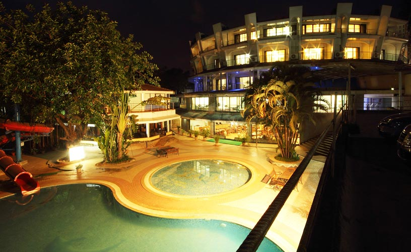 Biji's Resort Night View