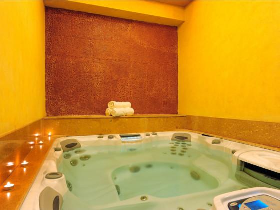 Fariyas Resort Sana Spa