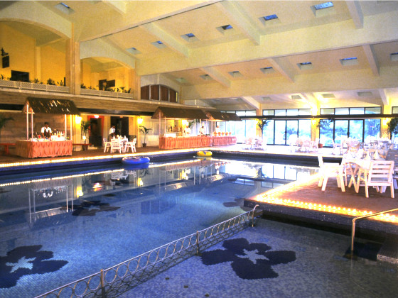 Fariyas Resort ,The Lagoon – Indoor Pool